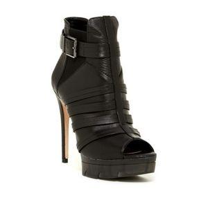 BCBGMAXAZRIA Ma-Hesh shoe boot